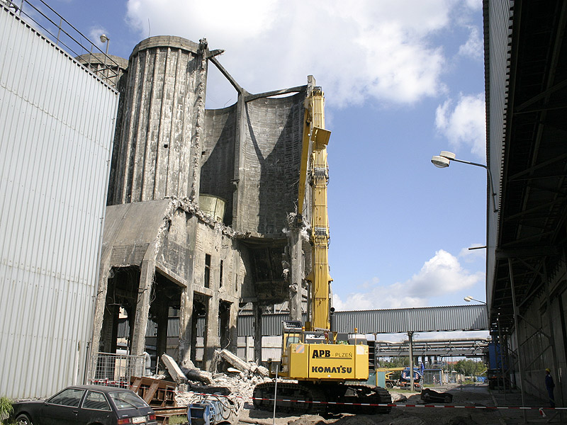 Cooling Tower Demolition : Cooling tower demolition in skoda area