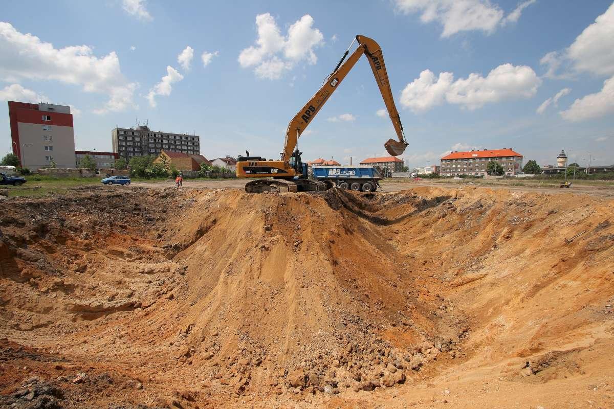 Earthwork Construction Management : Construction of hornbach shopping centre site